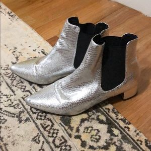 Cutest snake skin chelsea boots